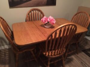 Solid Oak Table and Chairs  Kingston Kingston Area image 1