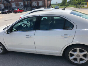 2010 Ford Fusion V6 SE 4 door in White