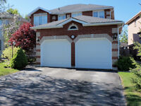 South Barrie - Executive 4-Bedroom Home For Lease