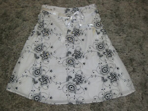 SKIRT - SIZE SX - MARIPOSA - CHECK IT OUT!