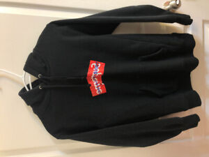 d378582e Supreme Box Logo | Buy or Sell Used or New Clothing Online in City ...