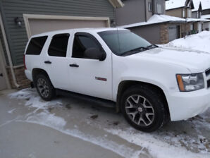 2012 chevy TAHOE- 6 seater- x rcmp- tint