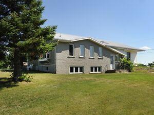Dundee  Magnifique propriété sur un terrain de 33 788,98 pc West Island Greater Montréal image 9