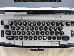 Circa 1960's Eaton's Viking 12 Electric Typewriter