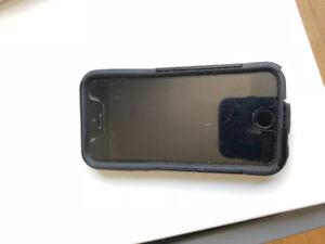 iPhone5s unlocked w/screen protector/slightly damaged otter box)