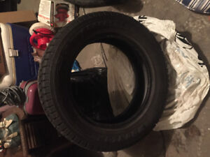 One Dunlop Grand Trek Winter Tire 225/60/18