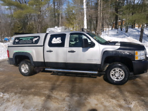 Chevy Silverado 2500 hd 4by4 with plow dual fuel gas or propane