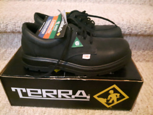Terra black leather safety shoes size 7