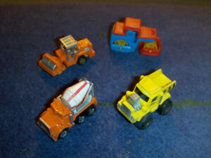 4 RARE CONSTRUCTION VEHICULES-GALOOB-1980'S-CEMENT MIXER-ASPHALT