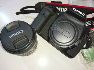 AS NEW CANON EOS 7D Mark I BODY + Battery Grip + Lens + 3x Batt Victoria Park Victoria Park Area Preview