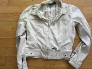 Harley Davidson jean jacketsize lg$25