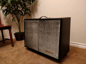 Early-Mid 1970s Polytone No. 104 Electric Guitar Amp