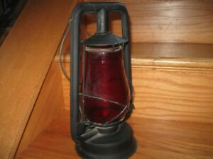 ANTIQUE SUPREME WARSAW NY USA TUBALOR LANTERN WITH RED GLASS