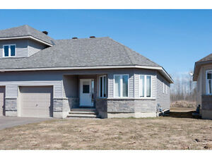 Beautiful Arnprior semi detached bungalow