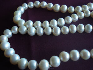 BEAUTIFUL MATINEE OCEAN PEARL NECKLACE (2/3 $ OFF ! )