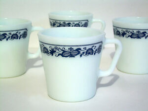 Vintage Pyrex Mugs - Old Town Blue / Blue Onion