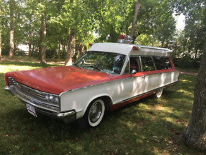 Looking for Parts-1966 Chrysler Town And Country