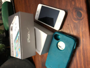 Iphone 4 16G - MINT shape 10/10 condition $75.00