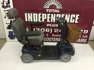 ***SHOPRIDER 888 4 WHEEL SCOOTER, wheelchair, jazzy,