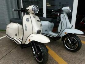 Royal Alloy GP200LC LAMBRETTA scooter