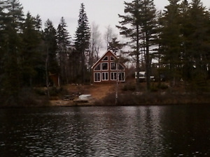 LAKE FRONT CHALET