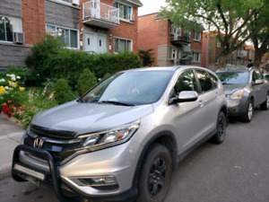 Honda cr-v 2015 ex avec beaucoup d'options.