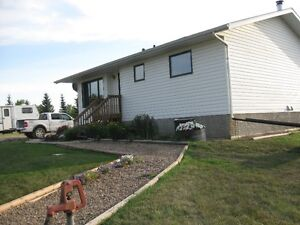 GREAT LOCATION, EASY COMMUTING WITH THIS BEAUTIFUL ACREAGE