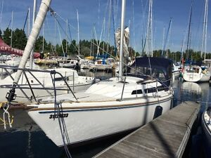 Very well maintained Catalina 27'Tall Rig Sailboat - Fresh water