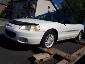 Chrysler Sebring décapotable 2001, 80,000 miles.
