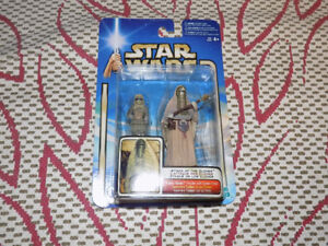 STAR WARS TUSKEN RAIDER FEMALE WITH CHILD, ATTACK OF THE CLONES