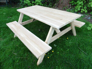 Cedar Picnic table 5ft (Free Delivery)