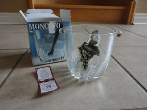 Brand new in box Italian glass ice bucket with tongs London Ontario image 4
