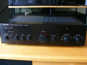 Rotel RA-985BX integrated amp with remote