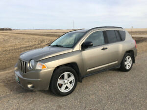 Saftied 2007 Jeep Compass 4X4