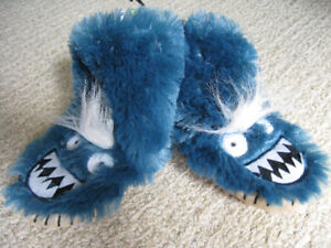 Hatley Slouch Slippers size M(8-10)