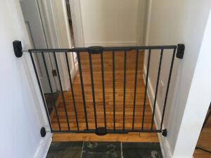 'Munchkin' Gate