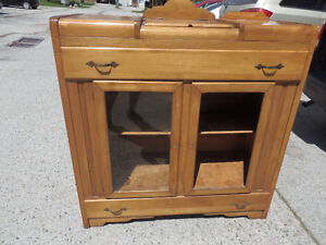 WOW DEAL!! Antique Maple Buffet Hutch w/Top Storage Tray