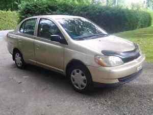 Toyota Echo  à  vendre