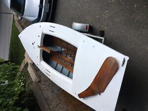 15.5 ft Dinghy sailboat & trailer