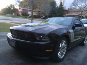 2012 Ford Mustang Pony Pick Coupe (2 door)