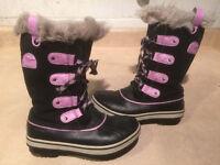 Girls Sorel Waterproof Winter Boots Size 2