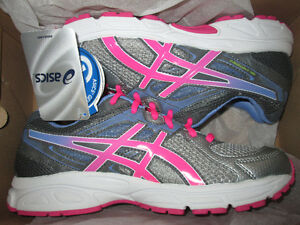 Girls Ascis Gel Contend, new in the box, size 7 youth