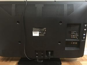 40 inch Philips 1080 p LED TV (Excellent condition)