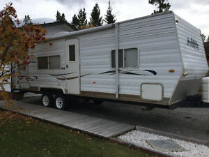 2003 28 foot Thor Wanderer Travel Trailer