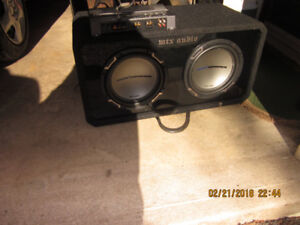 """MTX Audio Jack Hammer with two 10"""" Speakers"""
