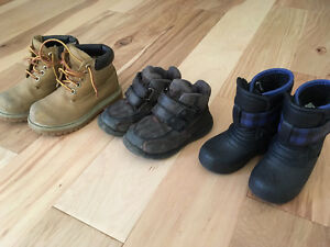 winter boots and work boots kids sizes Kitchener / Waterloo Kitchener Area image 1