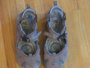 Merell Women Shoes - Size 7