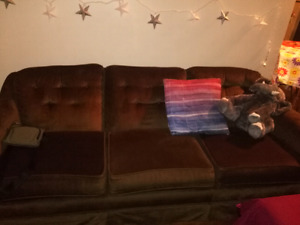 3 seat couch, great condition, clean!