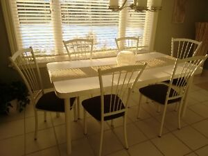 White Kitchen Set with 6 Chairs and 2 Matching Island Stools