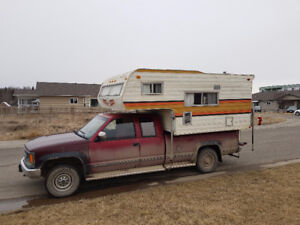 1991 GMC 2500 truck with camper